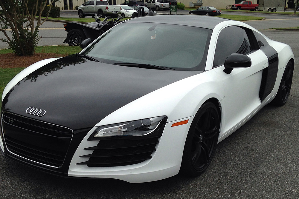 Black and White Audi R8 wrap | Wrapfolio